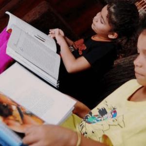 Libri scolastici e dizionario per i bambini di San Paolo del Brasile - Insieme si può